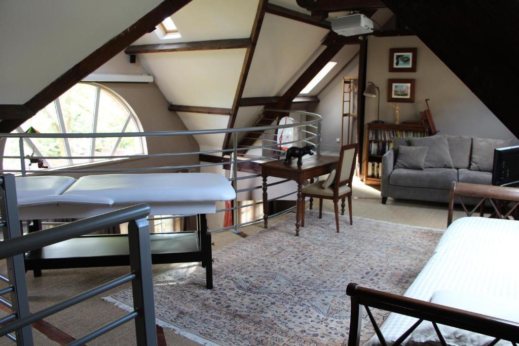 maison de la literie venette matelas sommier x cm with maison de la literie venette latest. Black Bedroom Furniture Sets. Home Design Ideas
