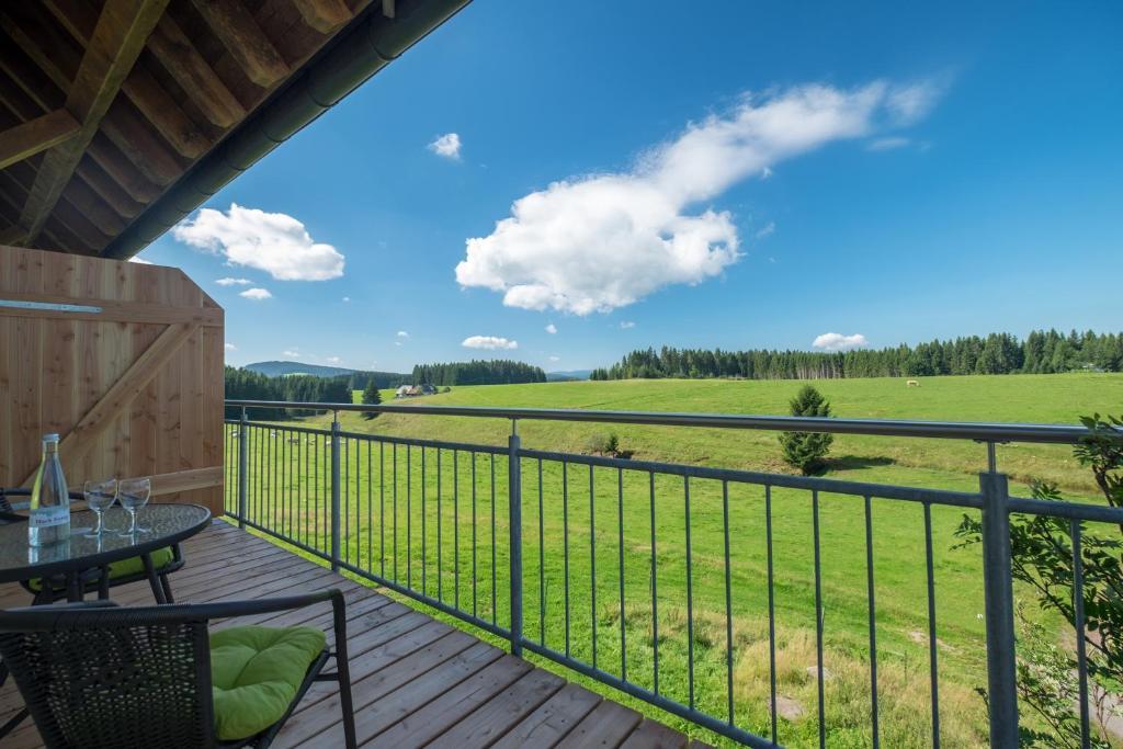 Ein Balkon oder eine Terrasse in der Unterkunft Gasthaus zum Hirschen