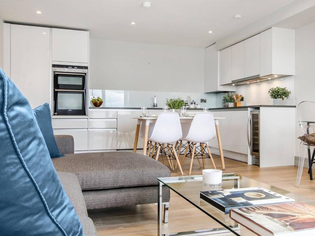 Ivory Riverside Apartments, London, UK - Booking.com