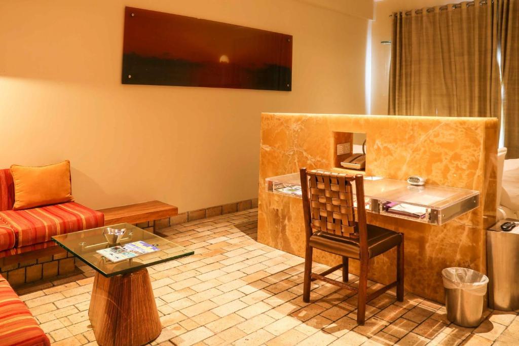 Waterstones Hotel Mumbai India Booking Com
