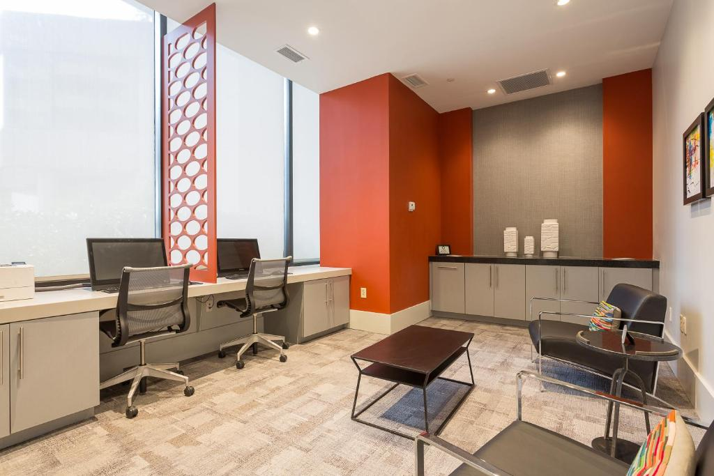 Condo Hotel Oakwood Crystal City Arlington VA Booking Interesting 2 Bedroom Apartments In Arlington Va Exterior Interior