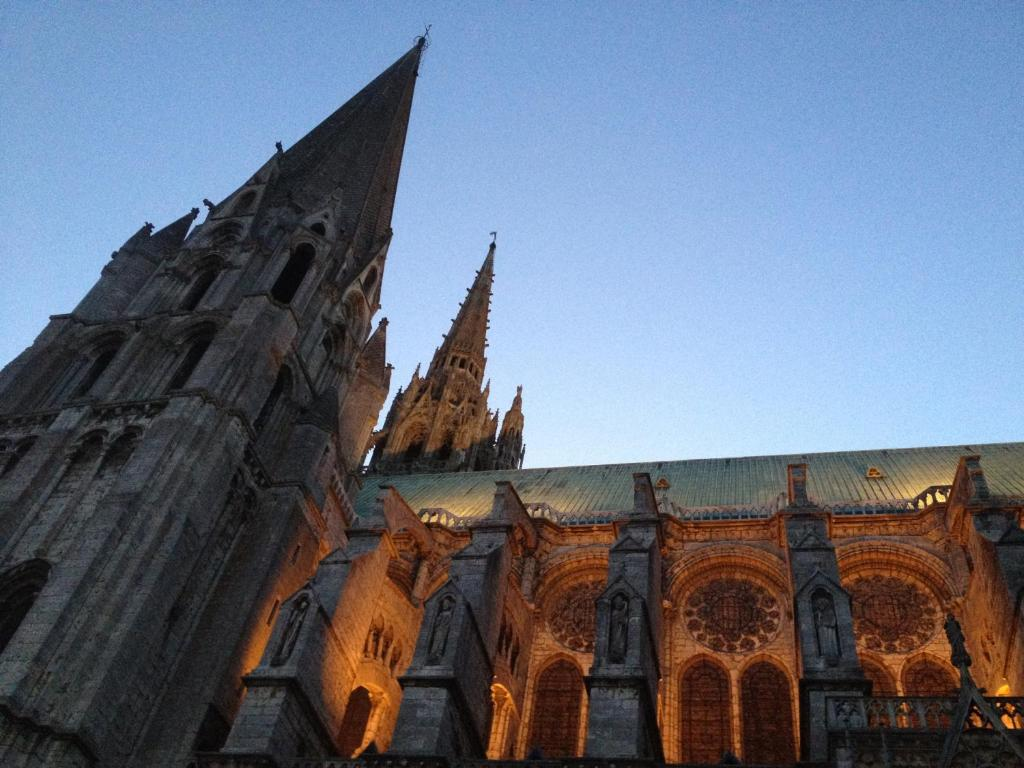 Saint pierre appart hotel fra chartres for Appart hotel chartres