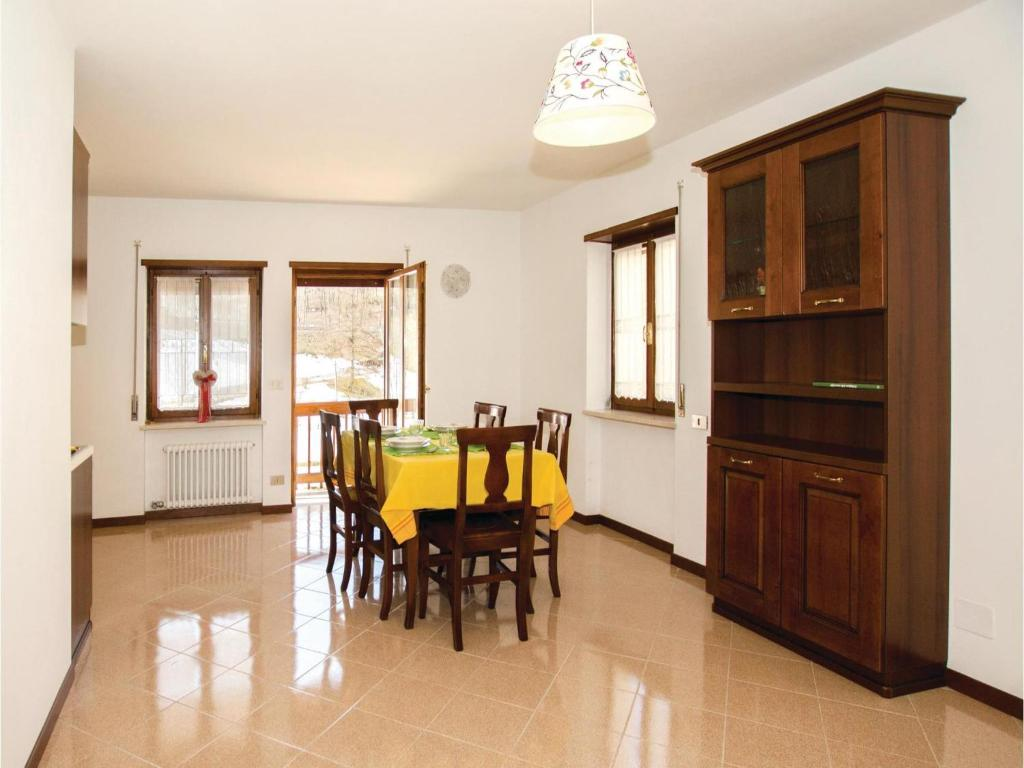 Two bedroom apartment asiago vi 0 03 asiago prezzi for Offerte asiago
