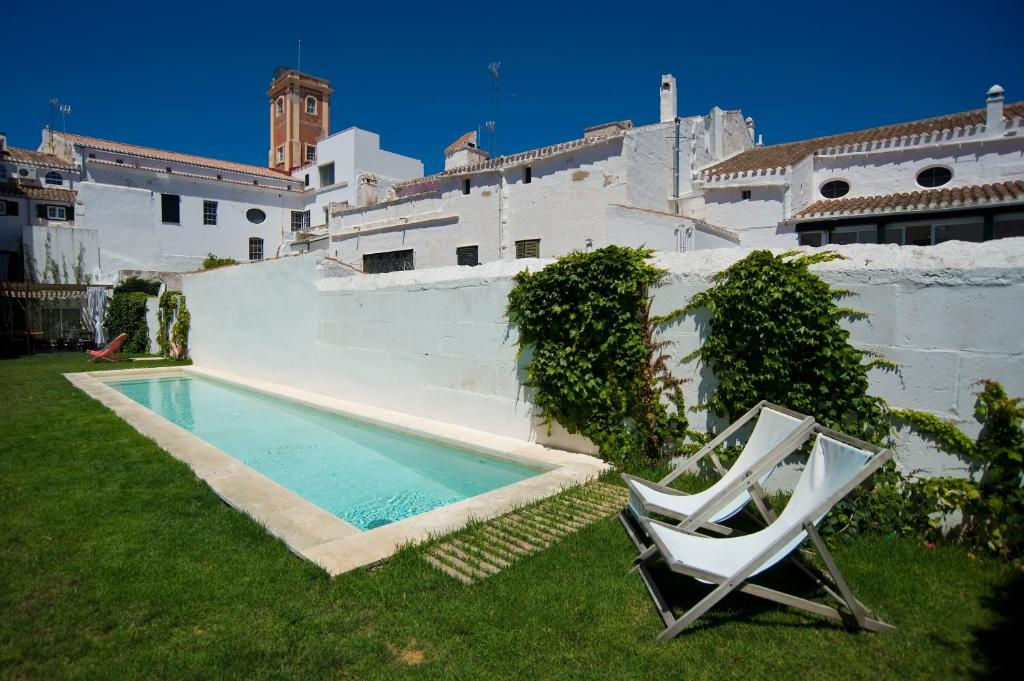 boutique hotels mahon  56