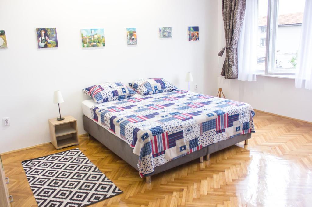 Krevet ili kreveti u jedinici u okviru objekta Skadarlija Art Apartments