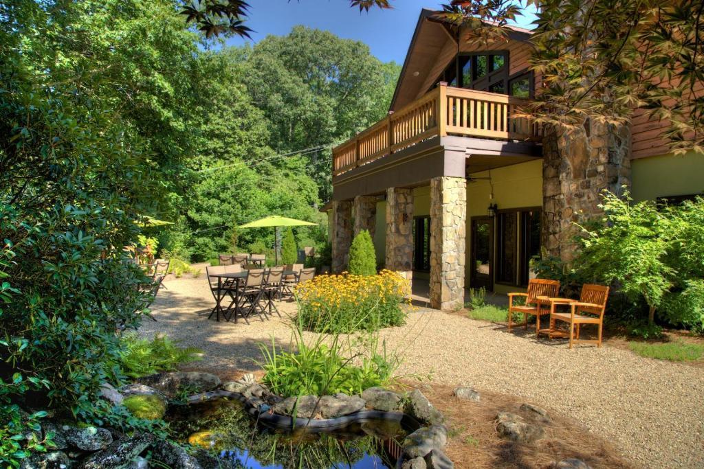 Sylvan Valley Lodge and Cellars, Sautee Nacoochee, GA - Booking.com