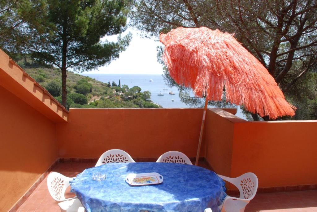 Residence sud est italia porto azzurro for Appart hotel sud est