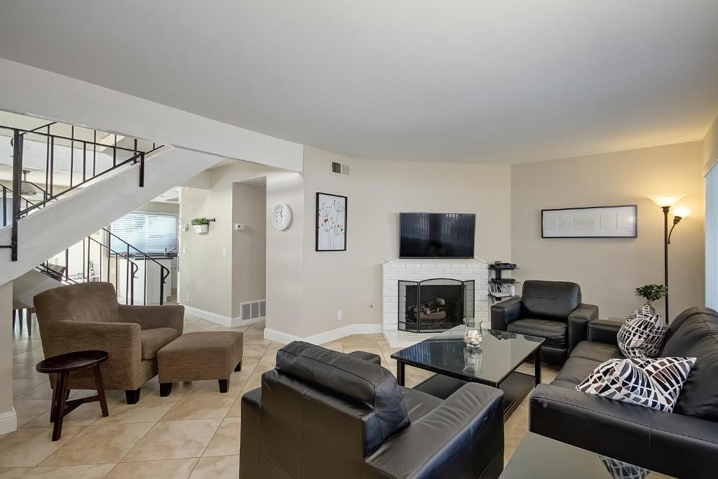 Apartments In Three Arch Bay California