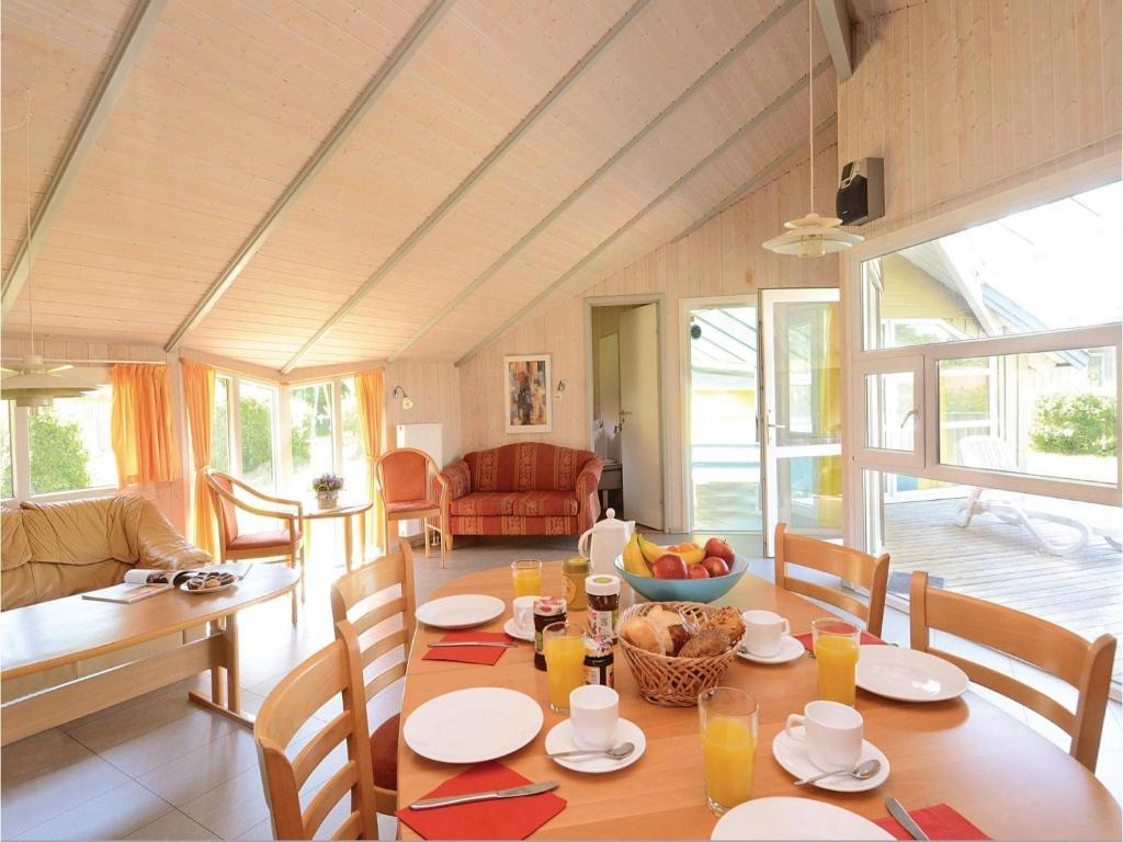 Siemens Kühlschrank Holiday Funktion : Five bedroom holiday home in gross mohrdorf deutschland groß