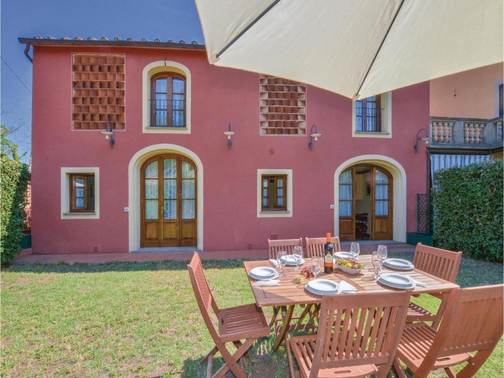 Vacation Home Casa Vittorio, Badia Cantignano, Italy ...