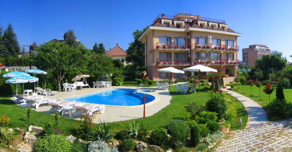 Хотел Family Hotel Vega - Елена