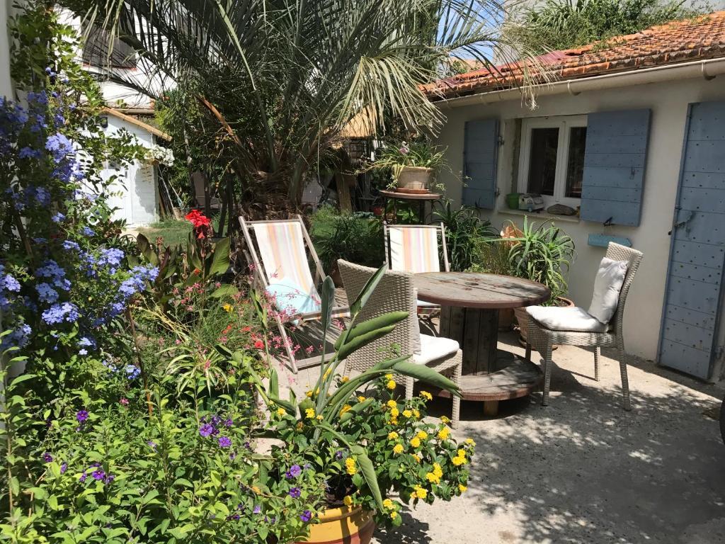 Cabanon de Camille, Saintes-Maries-de-la-Mer – Tarifs 2018