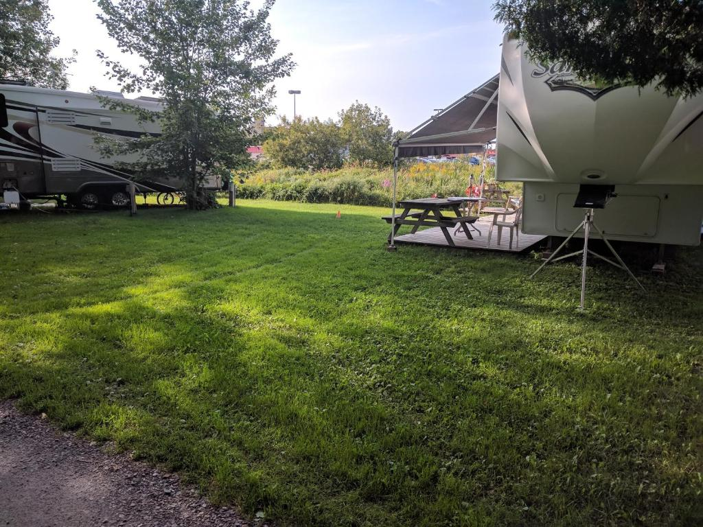 Gallery image of this property & Franklin Motel Tent u0026 Trailer Park North Bay u2013 Updated 2018 Prices