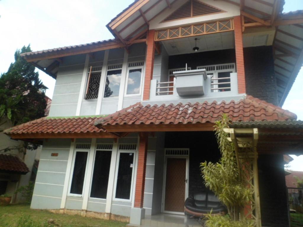 Villa Kota Bunga Blok  A  Puncak  Indonesia
