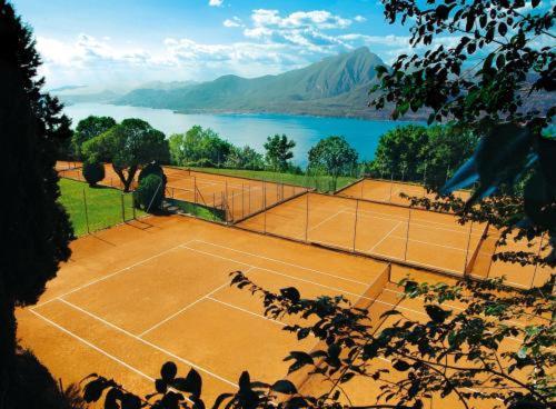 Facilități de tenis și/sau squash la sau în apropiere de Park Hotel Jolanda