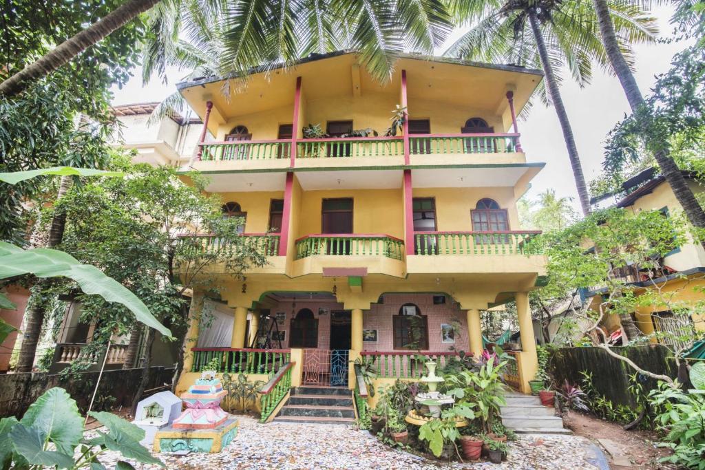 Guesthouse Near Calangute Beach Goa By Guesthouser 40230 India