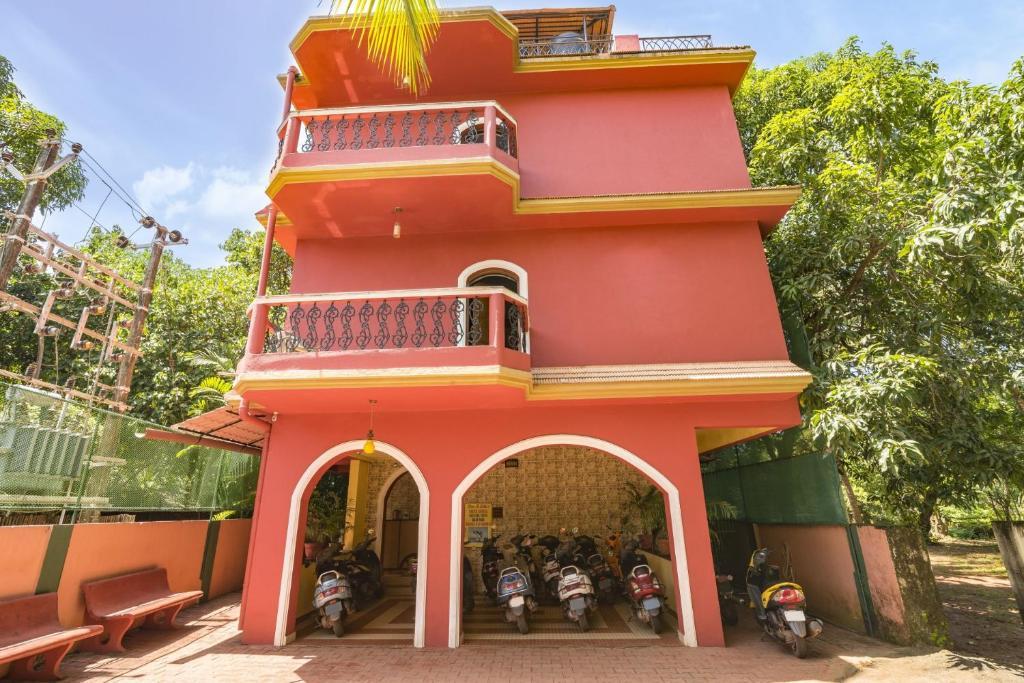 Guesthouse Near Calangute Beach Goa By Guesthouser 40820 India