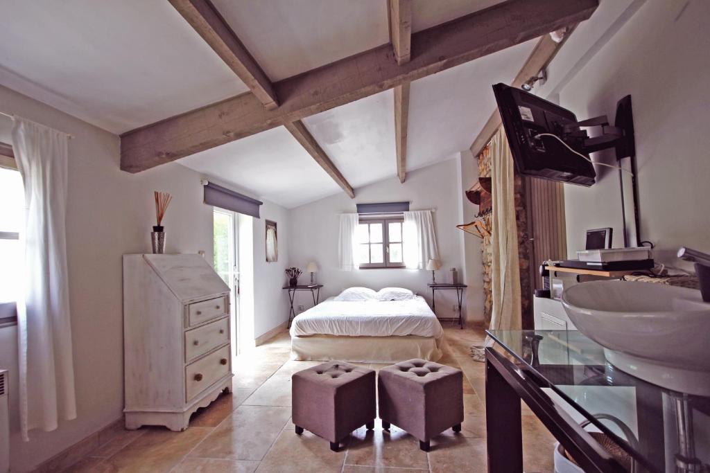 Casa de Campo La Bergerie (França Éguilles) - Booking.com