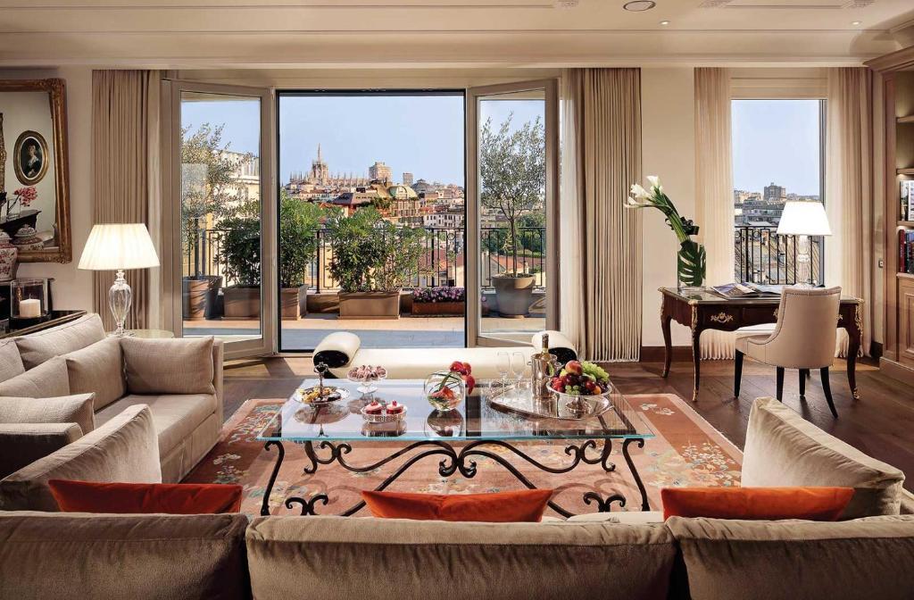 Palazzo Parigi Hotel & Grand Spa - LHW, Milano – Prezzi aggiornati ...