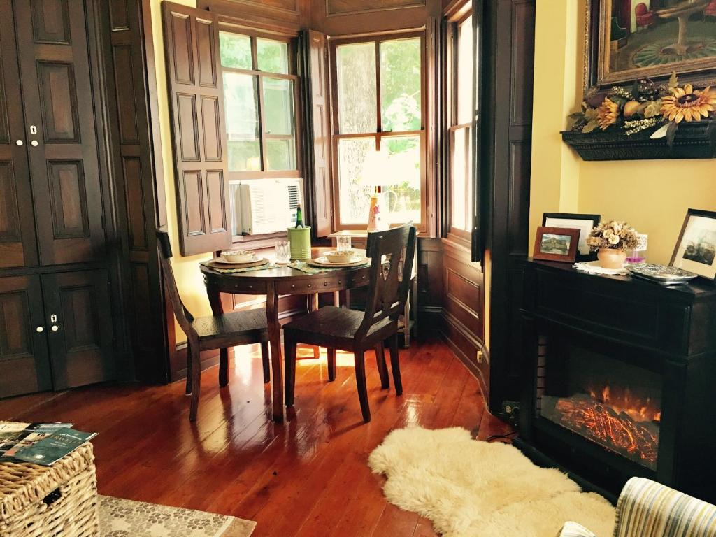 . Bala Farm Cottage  West Chester  PA   Booking com