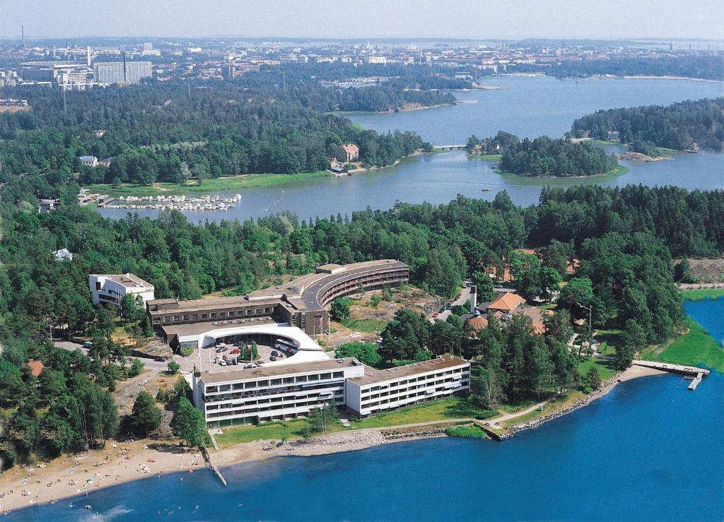 ヒルトン ヘルシンキ カラスタヤトロッパ(Hilton Helsinki Kalastajatorppa)