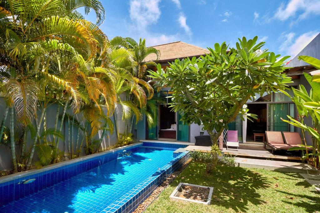 The swimming pool at or near Two Bedroom Villa Onyx