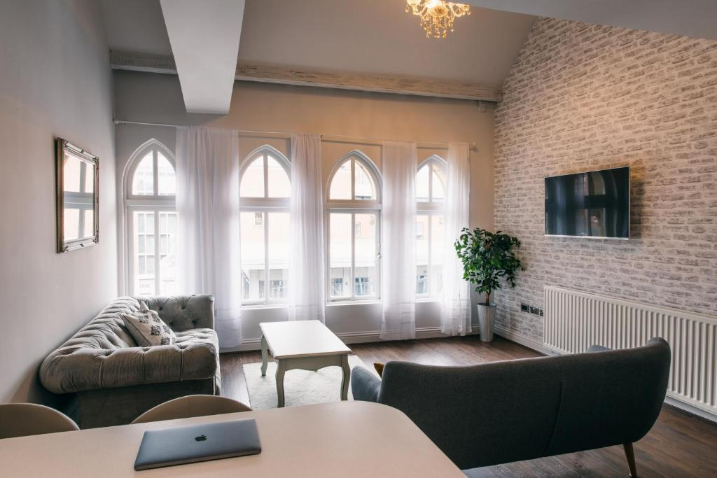 Stunning shabby chic loft ap leeds updated 2018 prices for Ap lofts