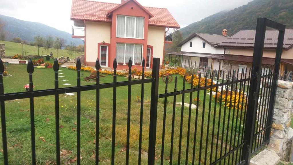 Kiko Cabina Armadio : Villa kiko bitola u prezzi aggiornati per il