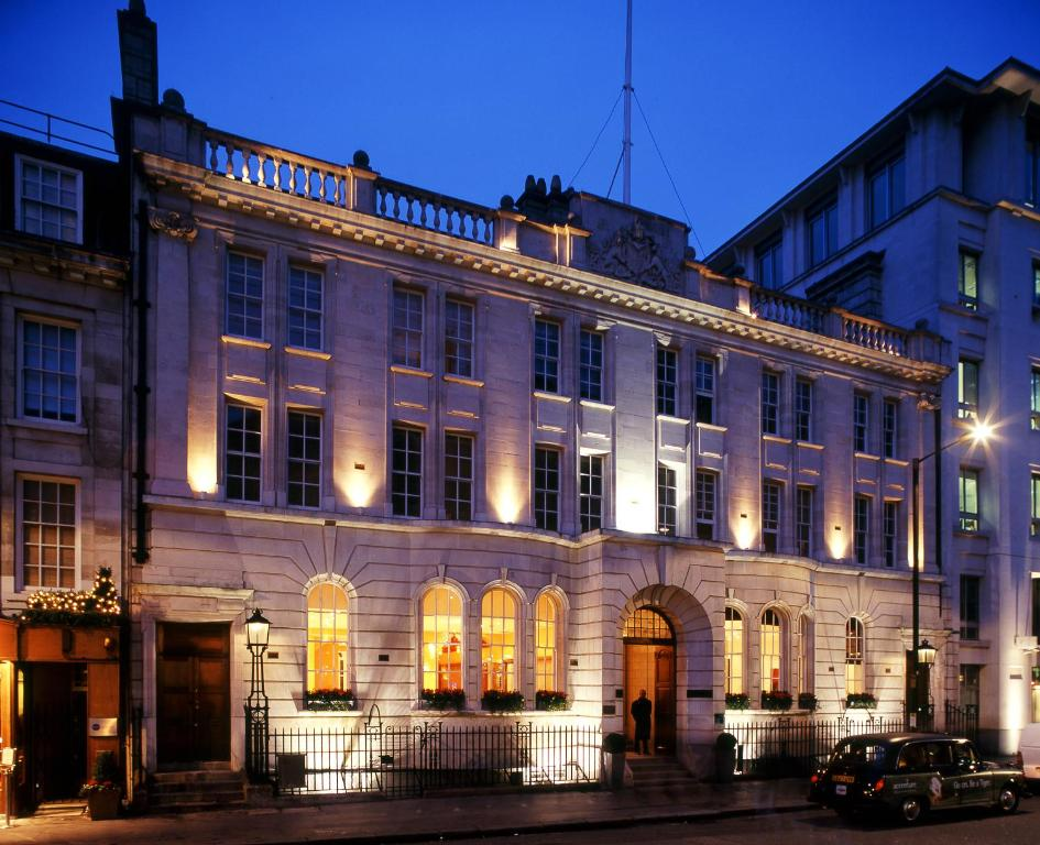 Courthouse hotel london uk for Booking hotels