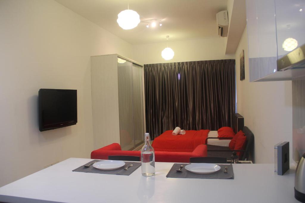 Good Value 3 Bedroom Apartment  AV GRASSE Cannes France