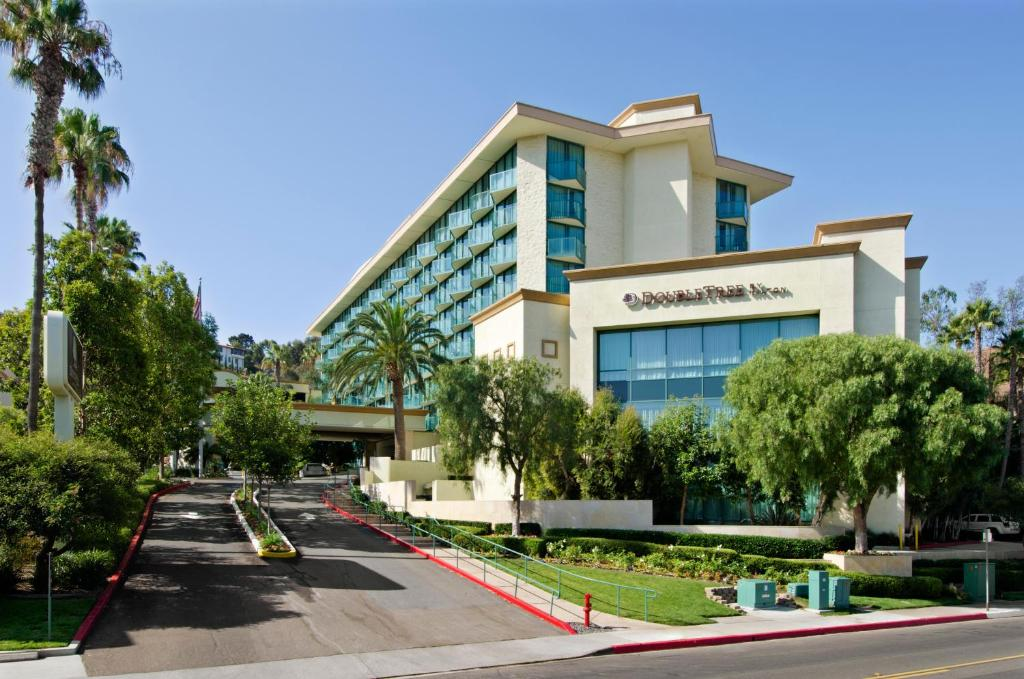 Hotels In Hotel Circle San Diego | Town and Country ...