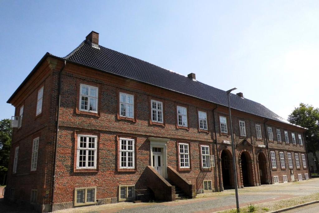 hotel historisches pelli hof deutschland rendsburg. Black Bedroom Furniture Sets. Home Design Ideas