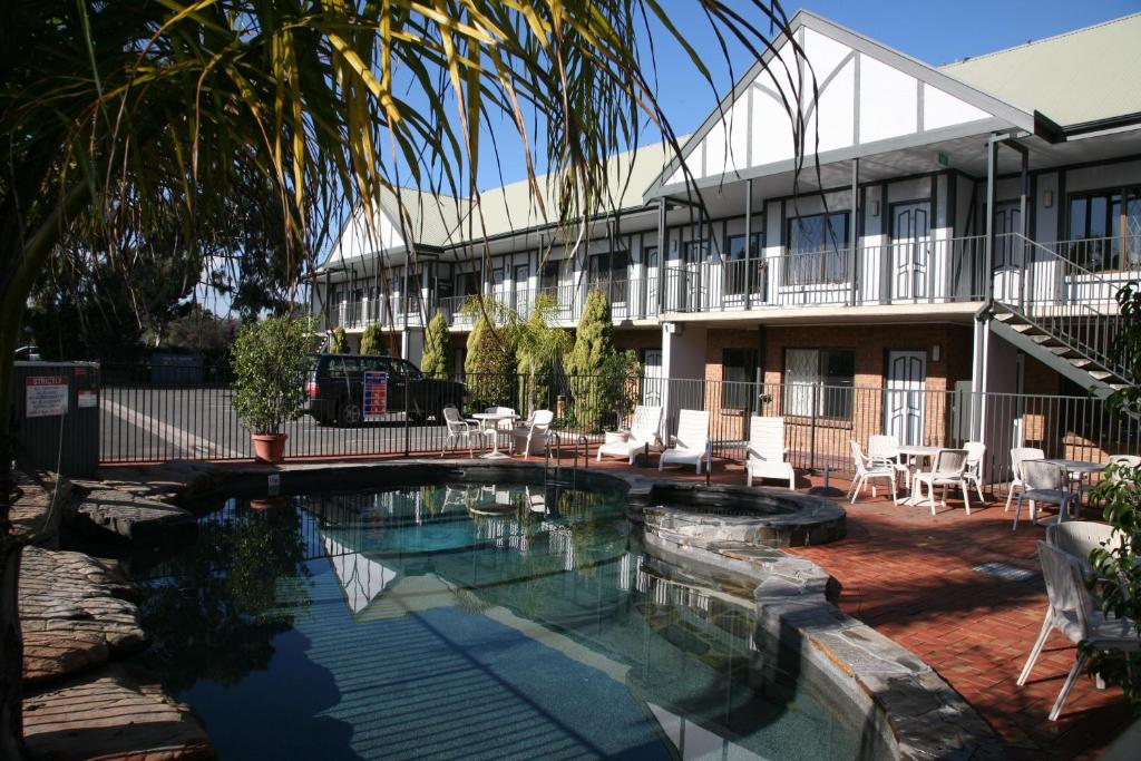 Ibis Styles Adelaide Manor Motel Reserve now. Gallery image of this property ...