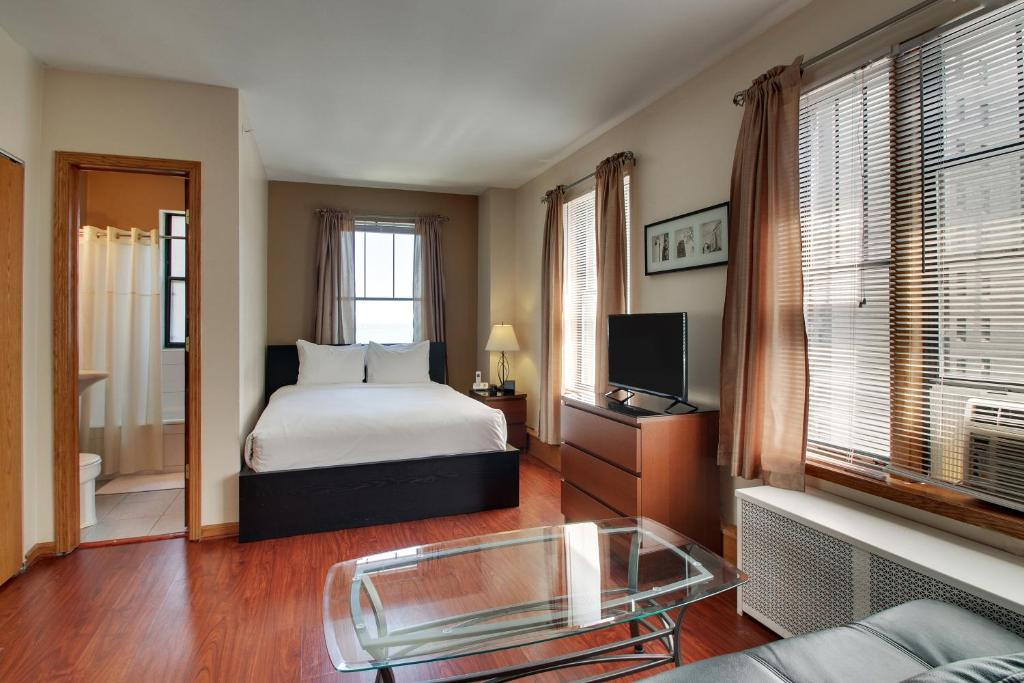 Dewitt Hotel and Suites (USA Chicago) - Booking.com
