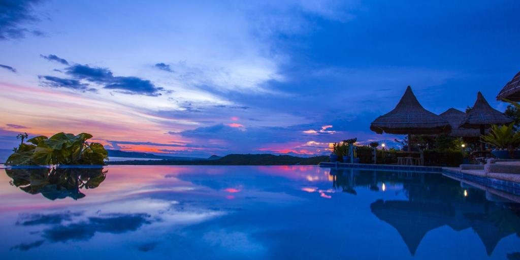 Marqis Sunrise Sunset Resort, Baclayon, Philippines - Booking.com
