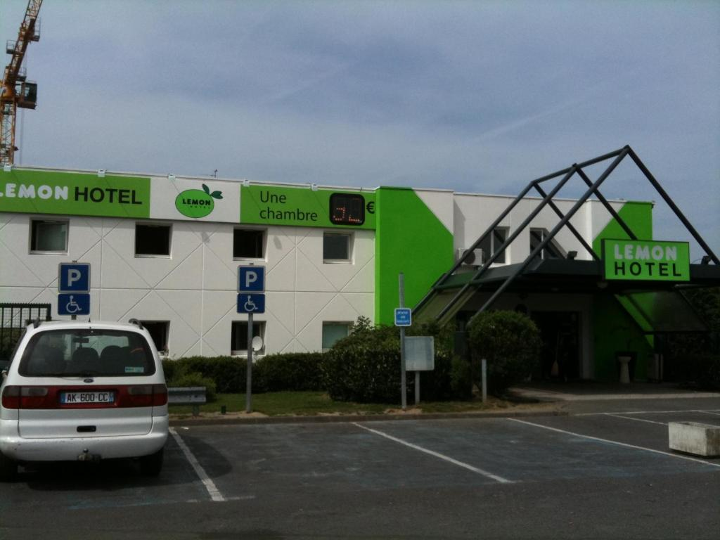 Hotel Green Lemon Lemon Hotel Tourcoing France Bookingcom