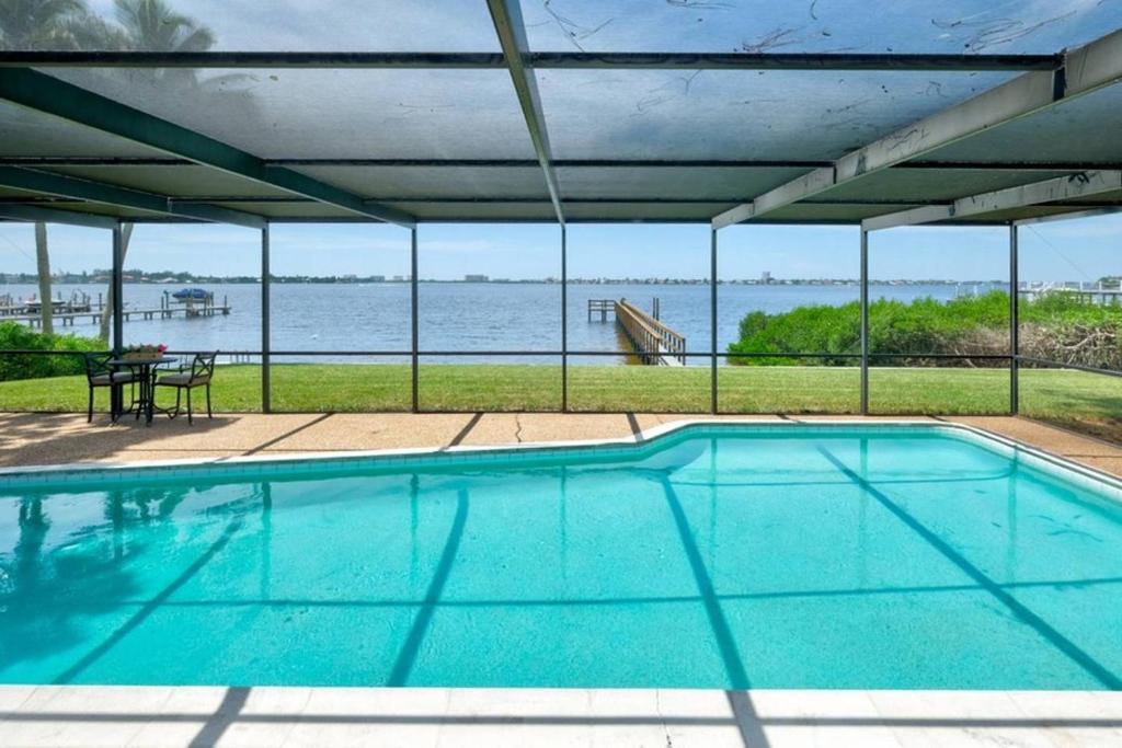 Cunliff Cottage Sarasota FL Bookingcom - Car show sarasota square mall