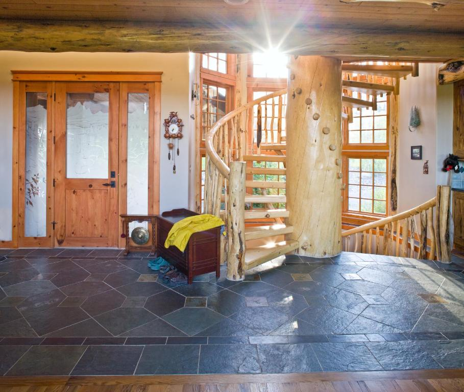 Vacation home montana wooden castle whitefish mt for House 360 view
