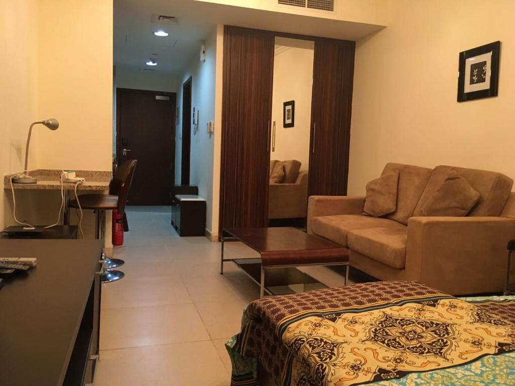 Apartment Fully Furnished studio 2 min Walk from JLt Metro Station ...