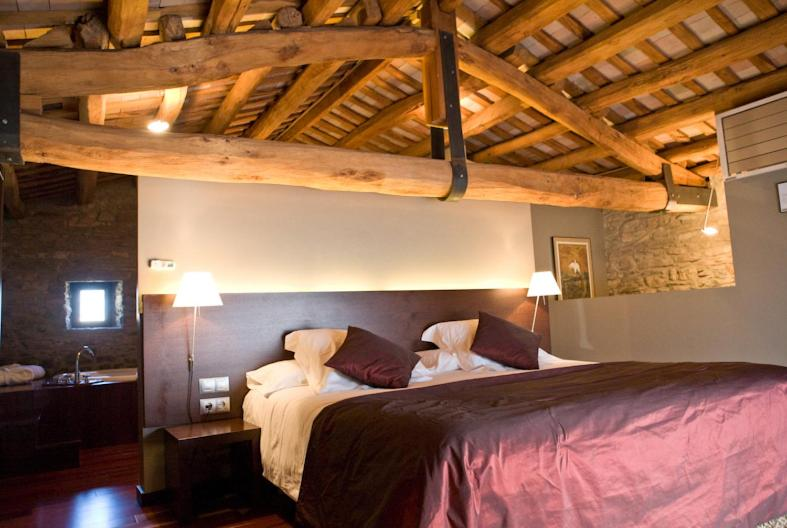 boutique hotels sant julia de vilatorta  7