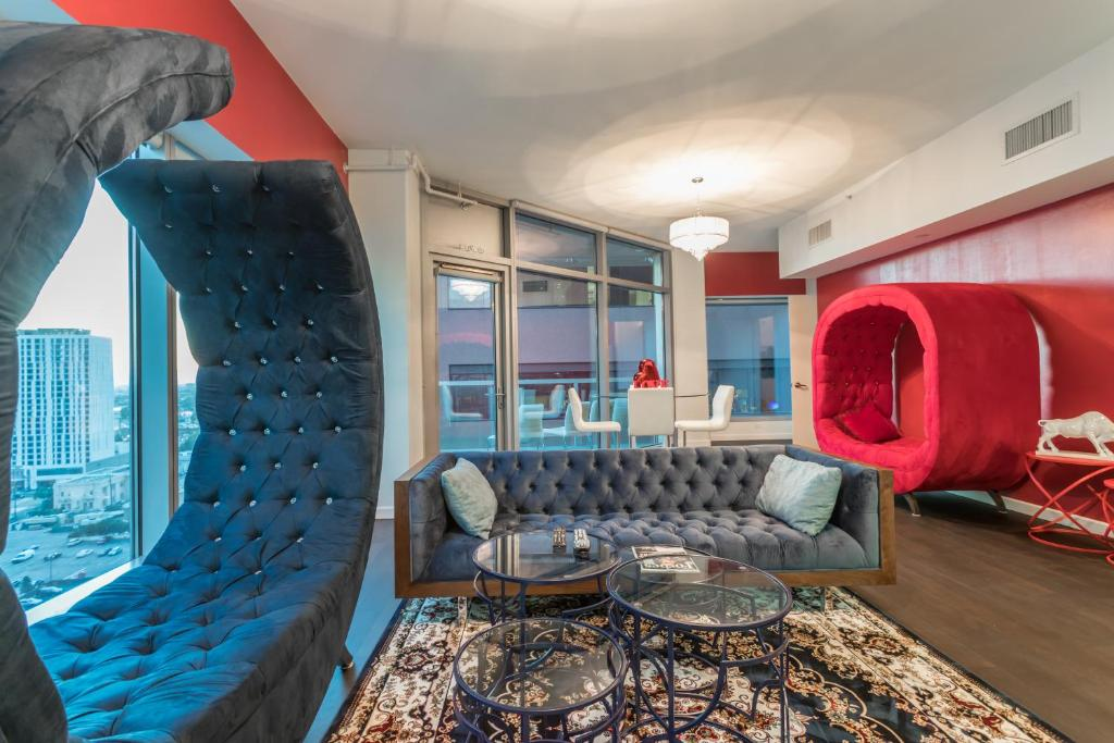 L.A. CITY LIFE HIGHRISE VIEWS - 5 BEDS, Los Angeles – Prezzi ...