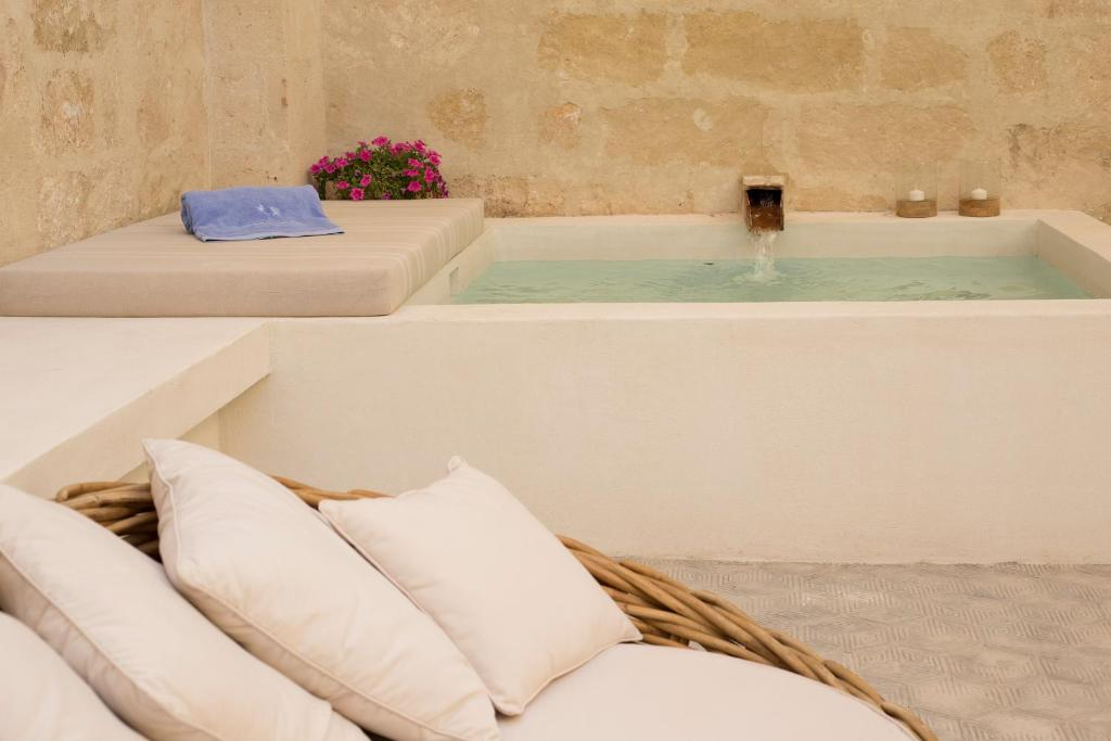boutique hotels mahon  40