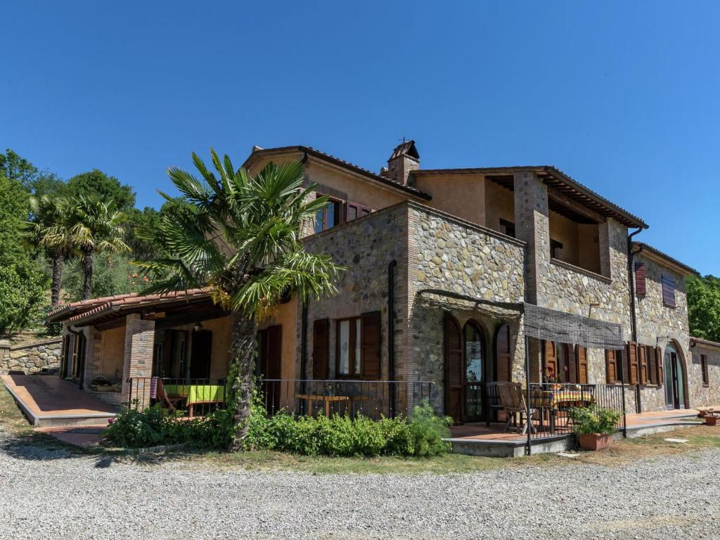 Nearby hotel : Holiday Home Zafferano Ficulle