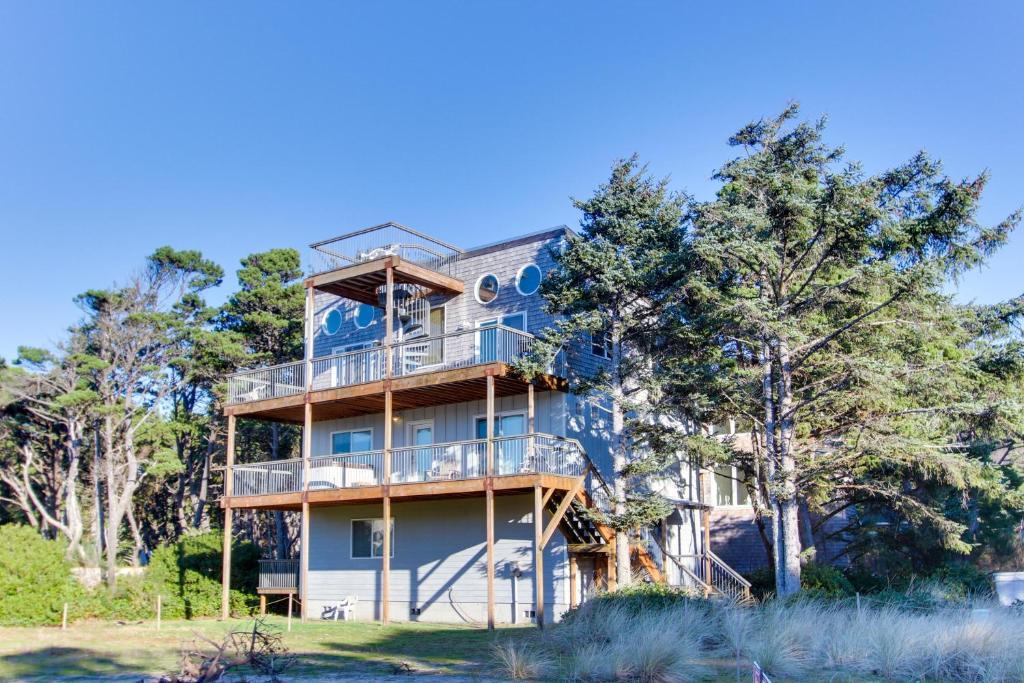 Awesome Ferienhaus Grey Haven Usa Rockaway Beach Booking Com Download Free Architecture Designs Jebrpmadebymaigaardcom
