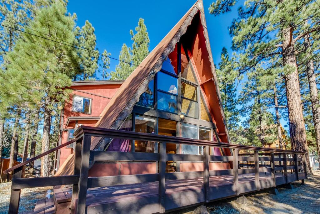 reviews green on information cabin rates featured hotel lake orbitz bear tea hotels cabins in big the image z