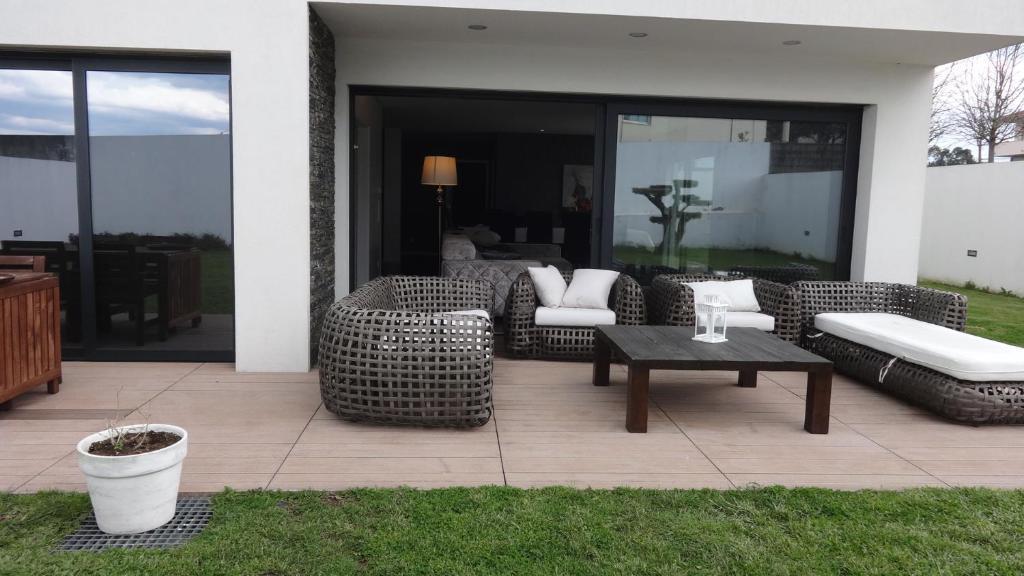 pool house interior design. Unique Pool Galeria De Imagens Deste Alojamento And Pool House Interior Design N