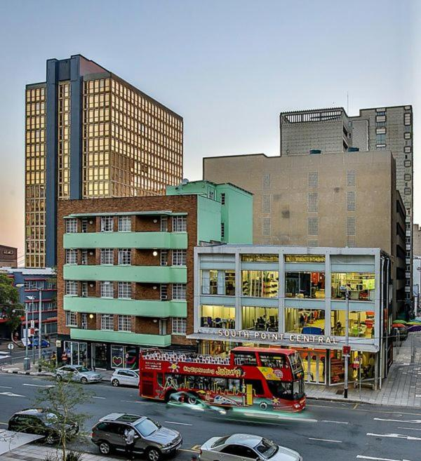Southpoint Apartments: SouthPoint Braamfontein Apartments, Johannesburg, South