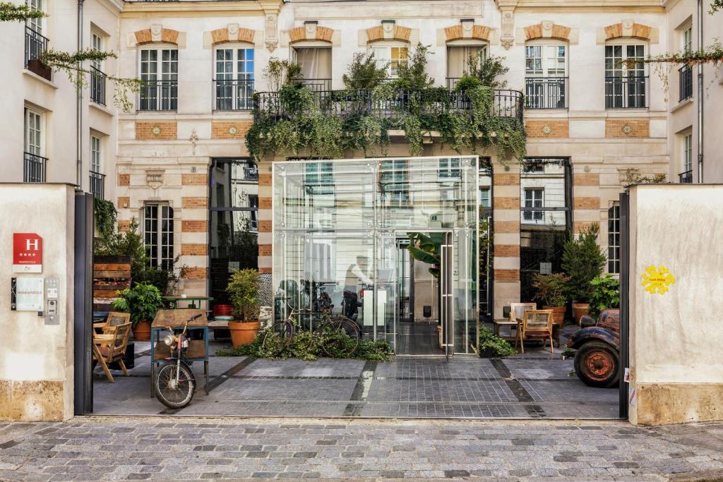 kube hotel paris ice bar paris updated 2018 prices. Black Bedroom Furniture Sets. Home Design Ideas