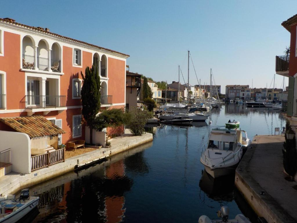 Apartment Port Grimaud Place Marche Grimaud France Bookingcom - Port grimaud location