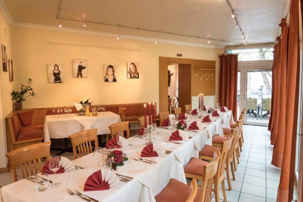 Hotel Restaurant Lohmuhle Bayreuth Germany Booking Com